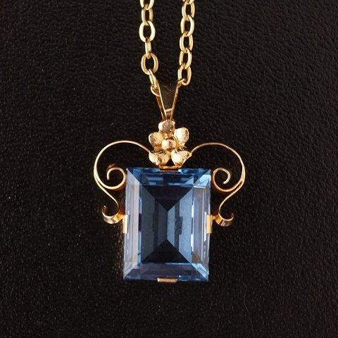 f612ddda Halskæde i 14 karat guld og vedhæng med blå topas 18 karat guld